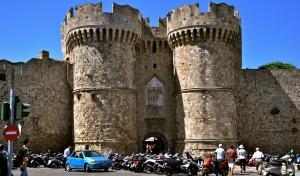 Αυξημένα κατά 15,3% τα τουριστικά έσοδα